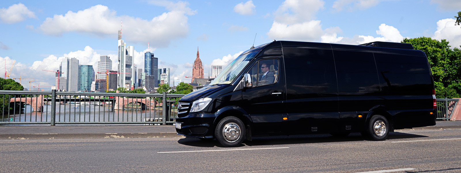 sprinter mieten frankfurt mercedes vip sprinter 8 fahrg ste mieten frankfurt mercedes vip. Black Bedroom Furniture Sets. Home Design Ideas